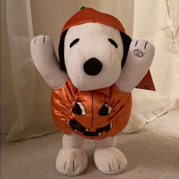 Peanuts Dancing Halloween Snoopy